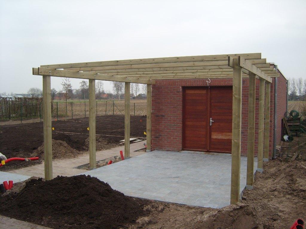 5 constructies in de tuin tuinen lieven cornelis - Pergola houten ...